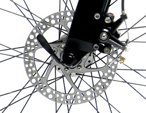 Untuk keamanan saat berkendara, rem adalah yang utama. Trio Bike ini sudah dilengkapi dengan disc brake lho B)
