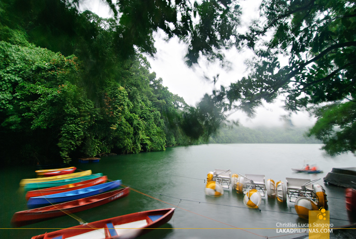 Rentable Canoes at Sorsogon's Lake Bulusan
