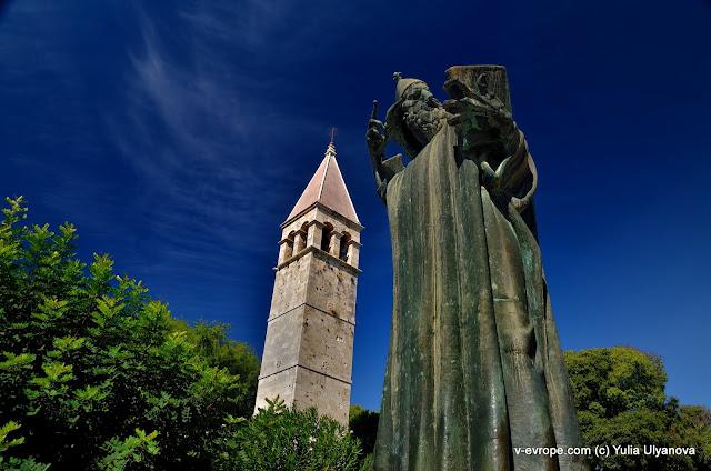 Памятник Гргуру Нинскому в Сплите
