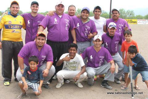 Equipo Japoneses en el torneo de softbol del Club Sertoma