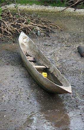 Canoa con madera de Ceiba, isla de Hitou