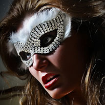 Máscara com strass