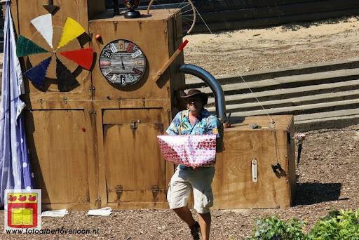 Sjluuk & Co en de geheime speelgoedmachine Openluchttheater Overloon 25-07-2012 (31).JPG