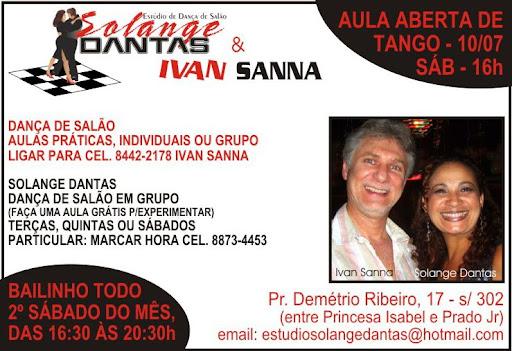 No sábado dia 17/07/2010 iniciamos o tour fotográfico do Jornal Falando de Dança pelo espaço de dança de Solange e Ivan, em Copacabana, registrando o aulão aberto de tango, para a nova turma do ritmo, que iniciou no sábado, às 16h. Lembrando que no segundo sábado de cada mês Solange e Ivan promovem bailinho de ficha no local, a partir das 18h.