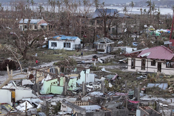 Photos-Caused-by-Typhoon-Yolanda-Haiyan-11-16-2013-24