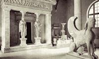έννοια Καρυάτιδες,διάκοσμος κτιρίων,αρχαίες κόρες,ελληνική αρχιτεκτονική.