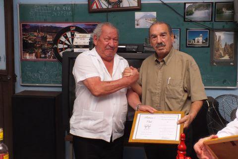 Entrega de reconocimiento al Profr. Javier Arturo Solís Montemayor