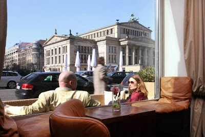 QUCHNIA - Kaffee, Brot, Kultur