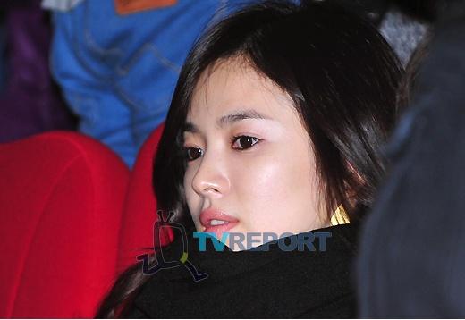 """Tetaplah Sehat"""" Pesan Song Hye Kyo untuk Hyun Bin"""