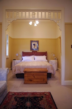Provincial Suite with fretwork arch