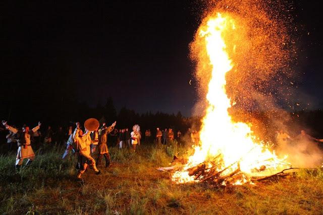 ютуб - Стихия Огонь. Магия большого и малого огня. Все о огненной магии. Свечи и их использование в магии. Путь Ведьмы Огня 1414_2