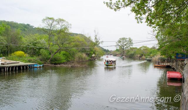 Göksu'dan geçen tekne manzarası, Ağva