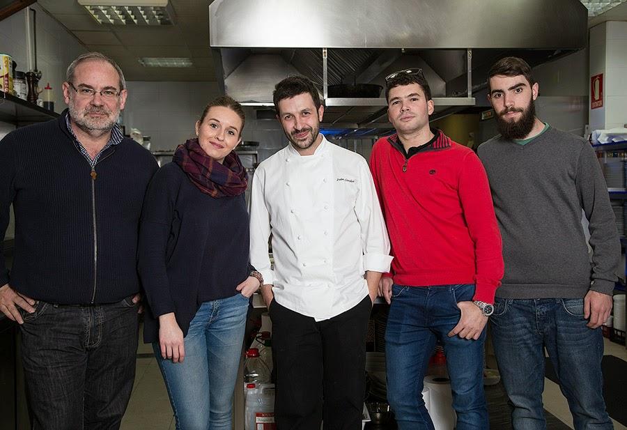 Ivan Cerdeño y el equipo del programa MIRADAS