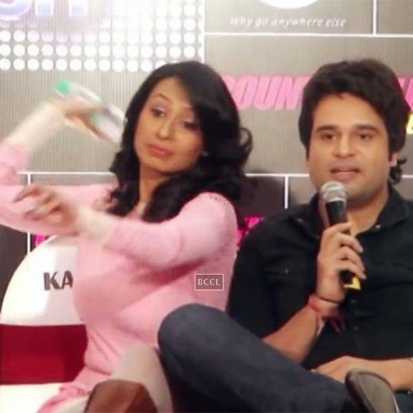 At an event, Kashmira Shah was asked a personal question about her and beau Krushna Abhishek by a media professional. This made her lose control and she got miffed so much that she threw a bottle of water