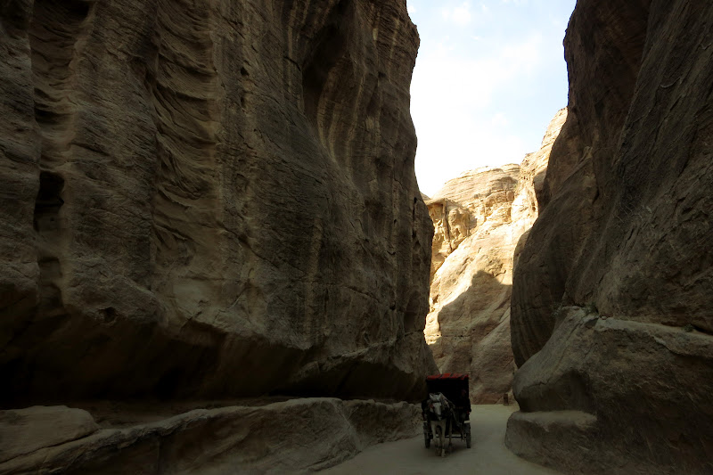Chariot in the canyon