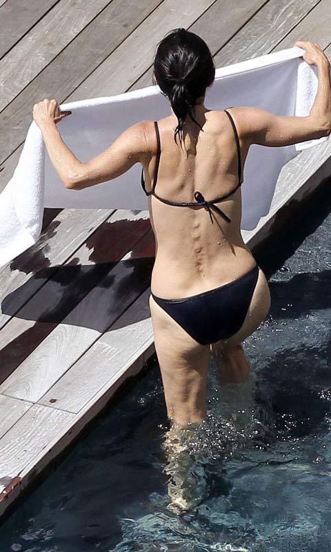 Denisha has a sexy butt