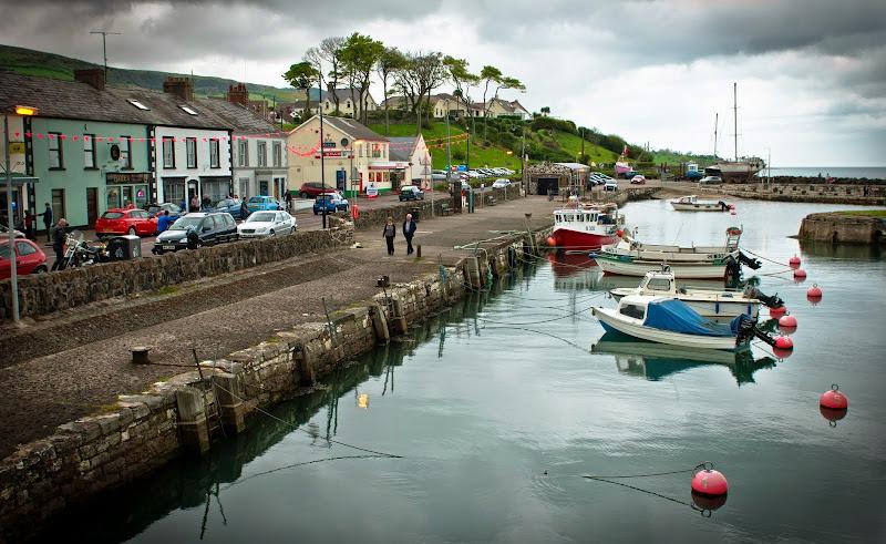 Irlandia Płn -- Carnlough, wioska rybacka..