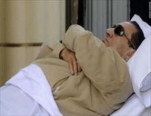 جلطة تهدد حياة مبارك ومنع سوزان من زيارته