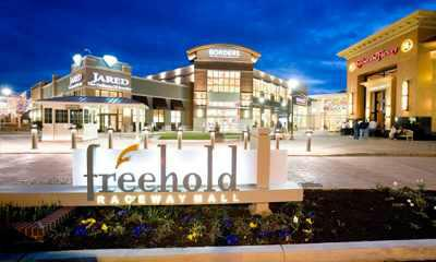 Freehold Raceway Mall
