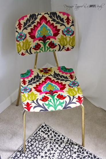 Cadeira decorada com tecido