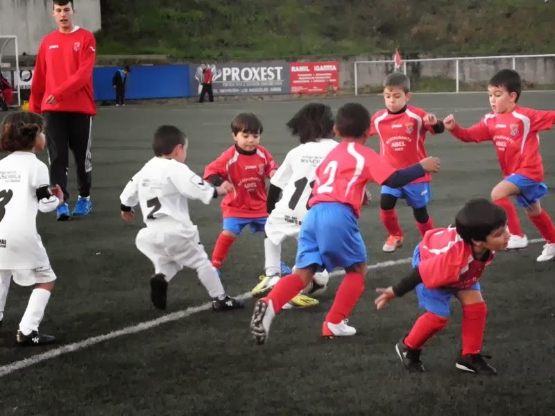 Volve o fútbol-8 biberón a Prados Vellos.