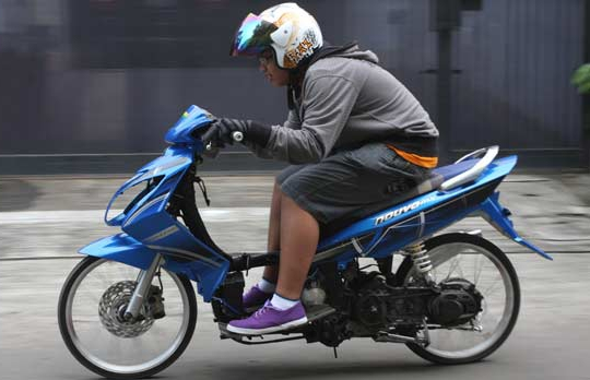 Modifikasi Motor Matic Matic Drag Bike Modifikasi Yamaha Nouvo Z