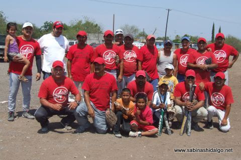 Equipo Diablos en el softbol del Club Sertoma