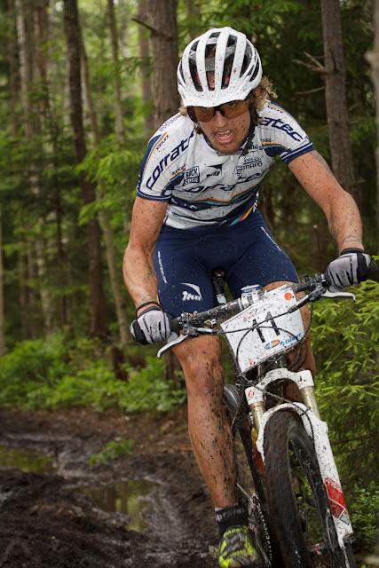 Simon Galle på tredje loopen.