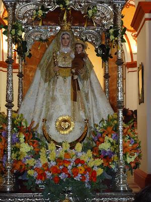 La patrona de Pozoblanco, la Virgen de Luna en el interior de su santuario. Año 2011. Foto cedida por Pozoblanco News, las noticias y la actualidad de Pozoblanco (Córdoba). Prohibido su uso y reproducción * www.pozoblanconews.blogspot.com