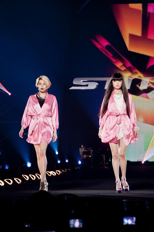 *2013 SUPER GIRLS FESTA 最強美少女盛典:田中美保、藤井莉娜、佐佐木希性感走秀! 4