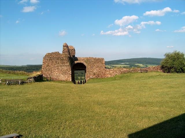 Lichnice Castle ruins