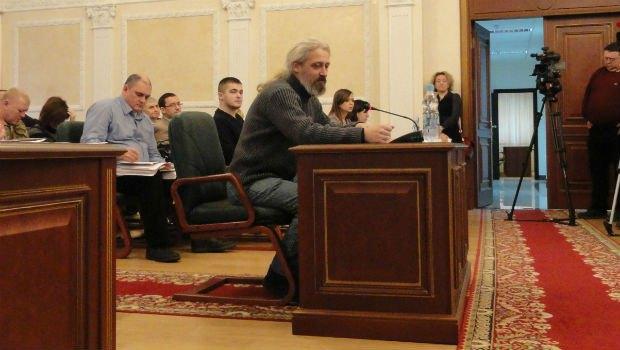 Валерий Гарагуц на Банковой оказывал медицинскую помощь, когда на него налетел спецназ