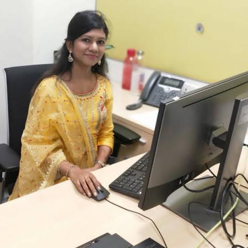 Shaifali Gupta Photo 17
