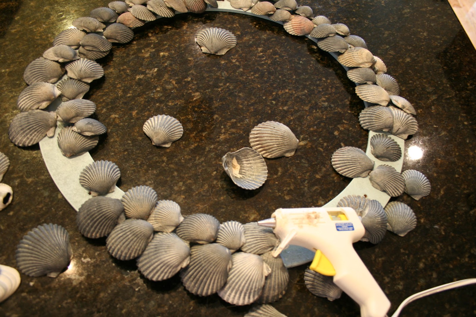 How to make a shell wreath wreath home stories a to z for What are shells made of