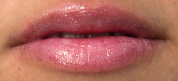 139 Futile на губах