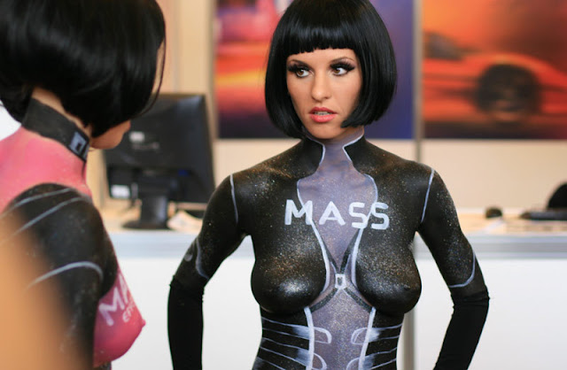 mass effect cosplay  body paint girls