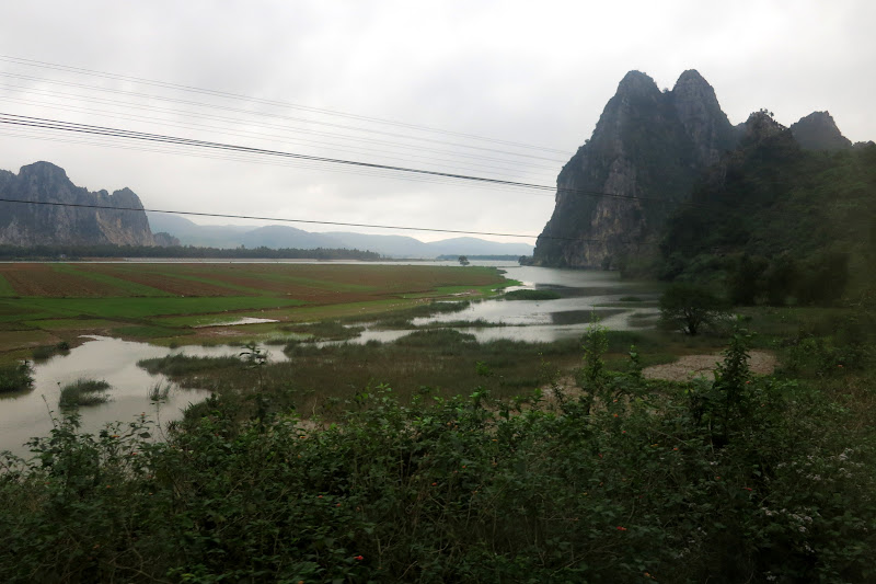 Karst mountains north of Le Son
