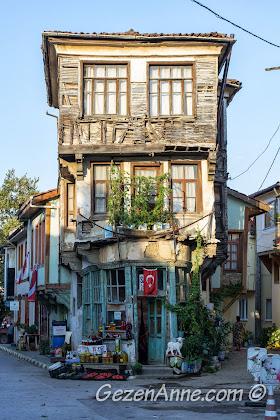 Bursa Trilye'de tarihi bir ev