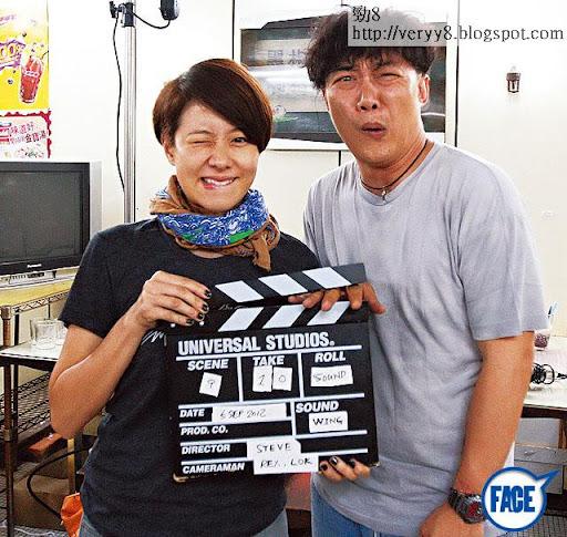 老婆拉攏 <br><br>去年 8月,林嘉欣擔任女主角為陳奕迅拍攝 MV〈信任〉,導演為袁劍偉,有說此 MV也是靠林嘉欣碌人情咭,老公先有工開。