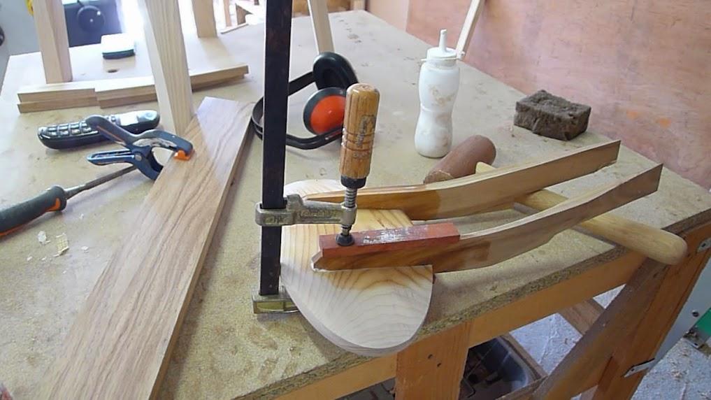 Chaise design pour petit garçon P1060954
