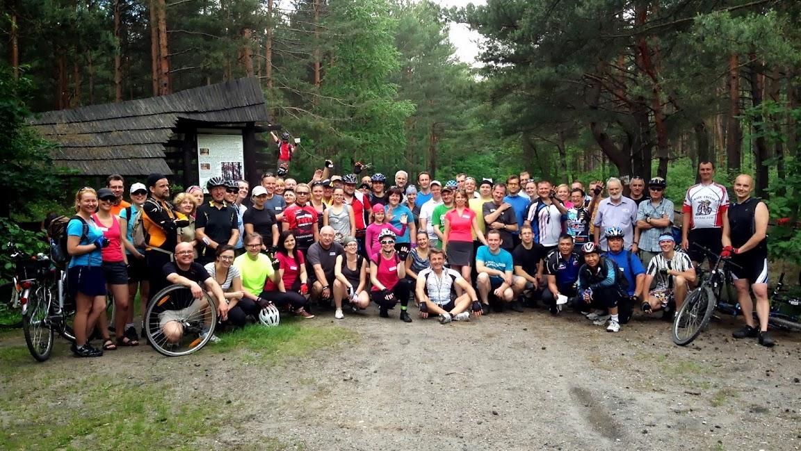 Grupówka na Łosiowych Błotach = 67 rowerzystów