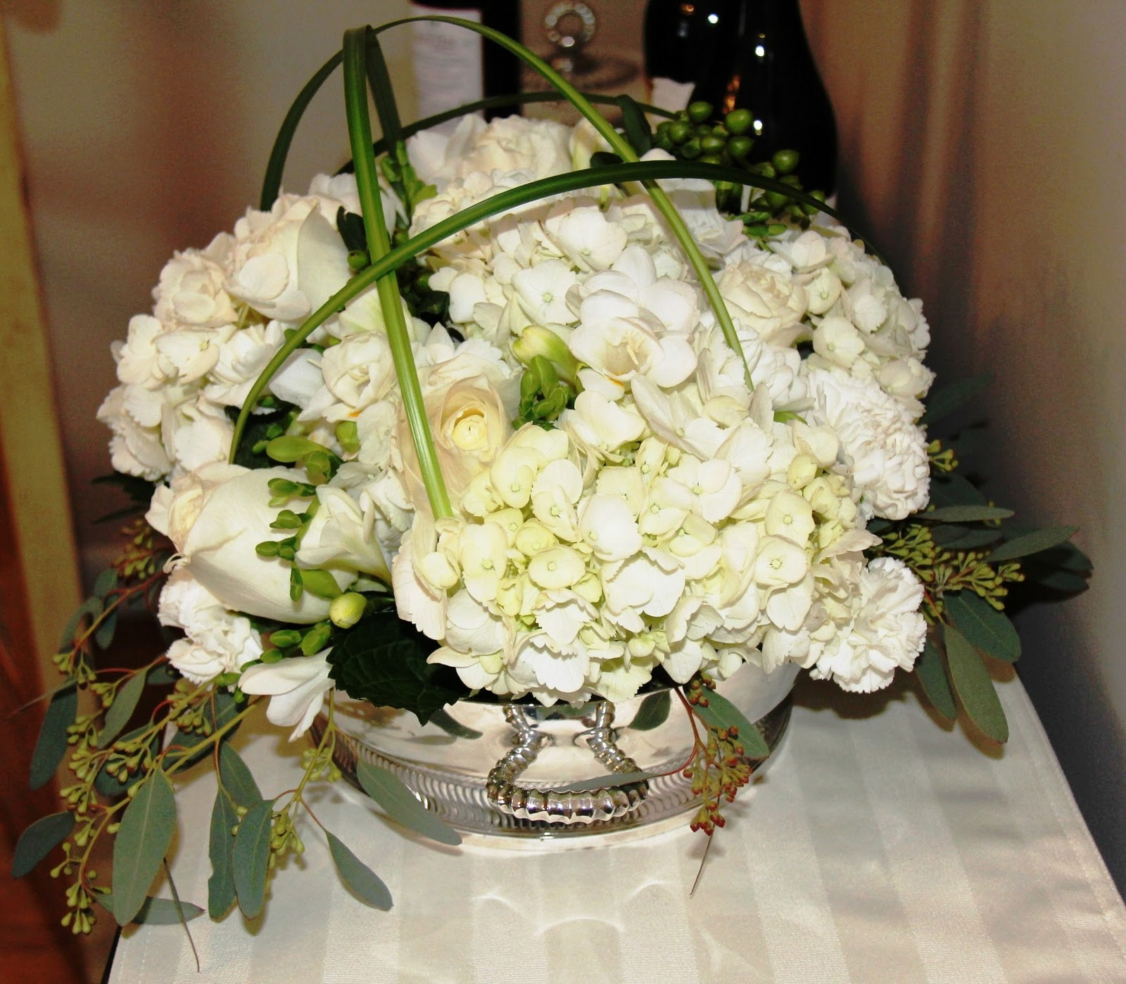 Stranded In Cleveland White Dinner Party Centerpiece Elegant