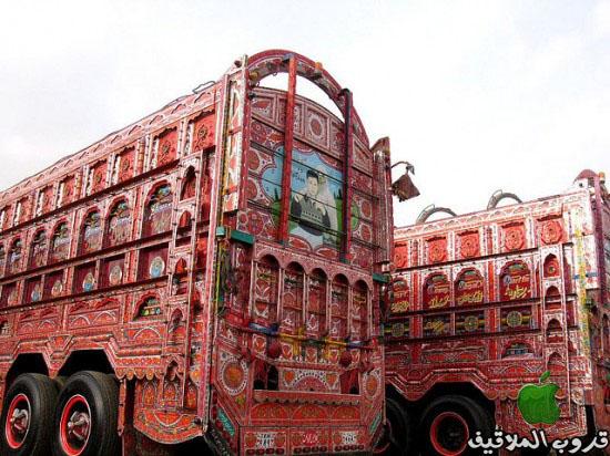 شاحنات باكستانية مزخرفة 7.jpg
