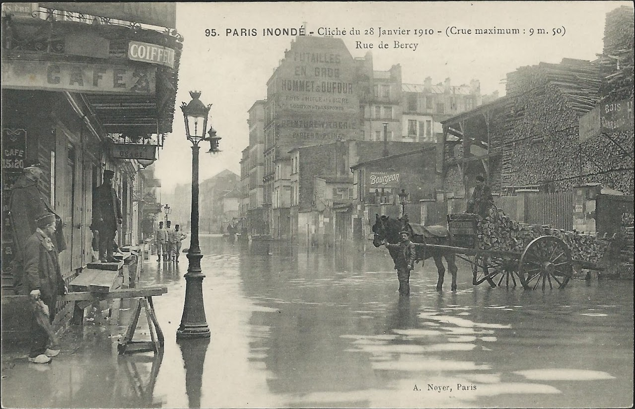 bercy rue crue paris. Black Bedroom Furniture Sets. Home Design Ideas