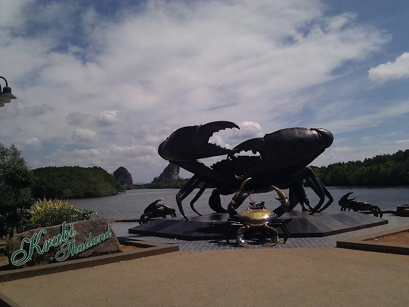 Big Crabs Statue at Krabi