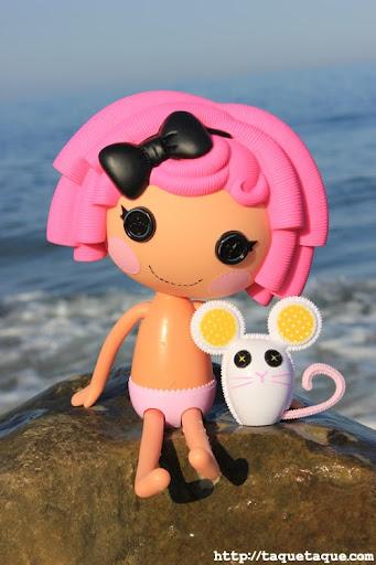 mi Lalaloopsy Crumbs Sugar Cookie en la playa (Estepona - Málaga)