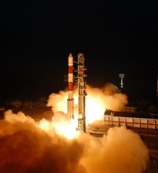 PSLV-XL C19 (RISAT 1) - 26.4.2012 Pslv-c19-10