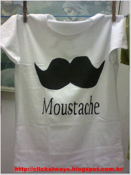 customizando camiseta com bigode