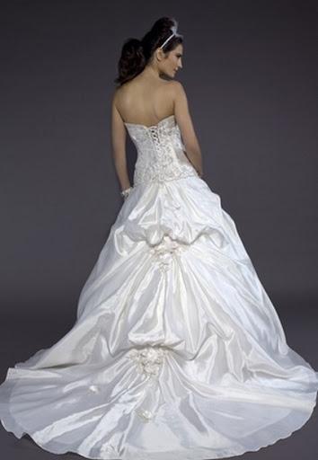 Elegant A-line Schatz Hals bodenlangen Brautkleid