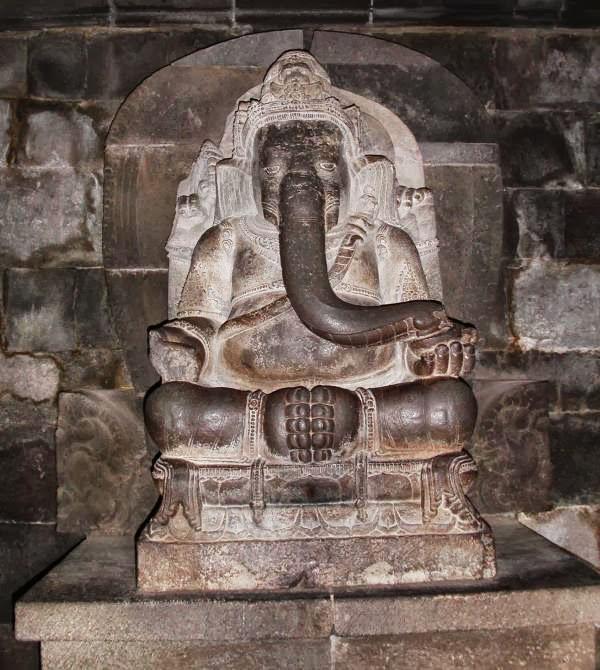 9ம் நூற்றாண்டை சார்ந்த இந்தோனோசியா ஜாவாவில் உள்ள விநாயகர் சிலை.